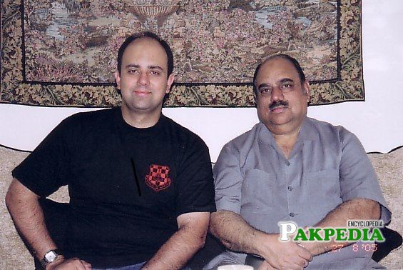 Faraz Inam with his father