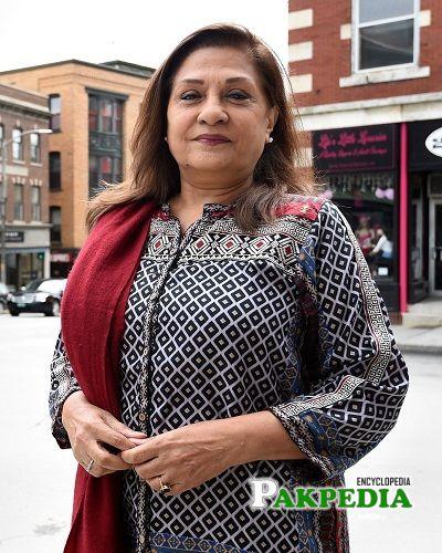 Samina Ahmad Biography