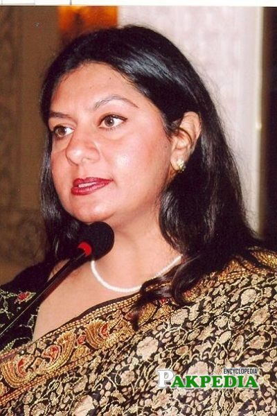 Marvi Sirmed Biography