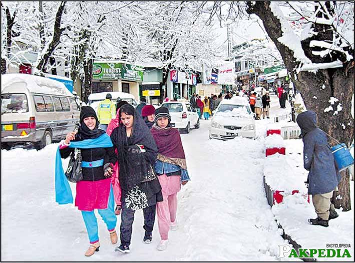 murree mall road in winter
