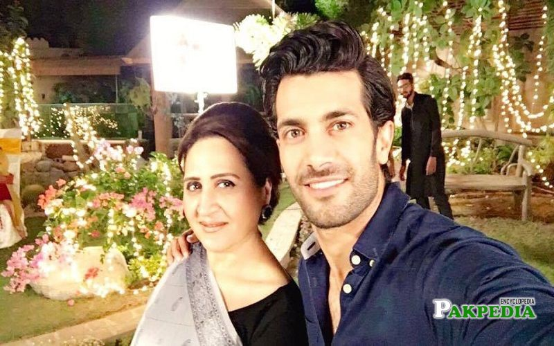 Shahzad Noor with Asma Abbas on sets