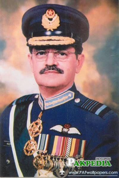 Kaleem Saadat was four-star air officer