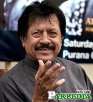 Attaullah Khan Esakhelvi Pakistani Singer
