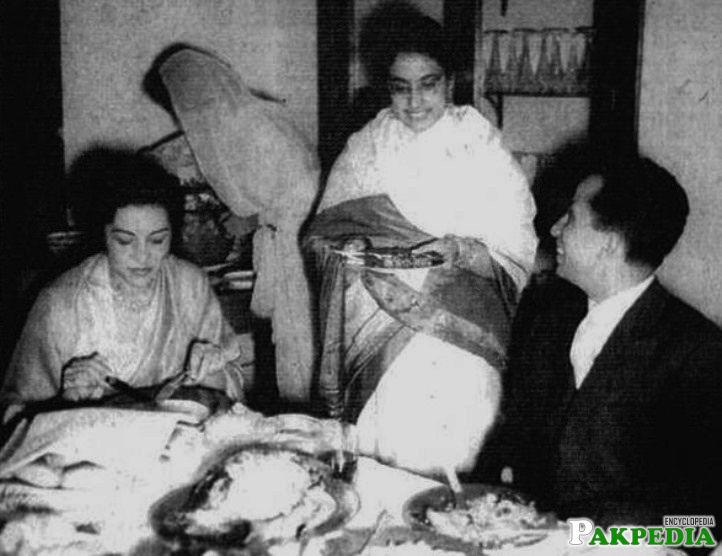 Iskander Ali Mirza Wife