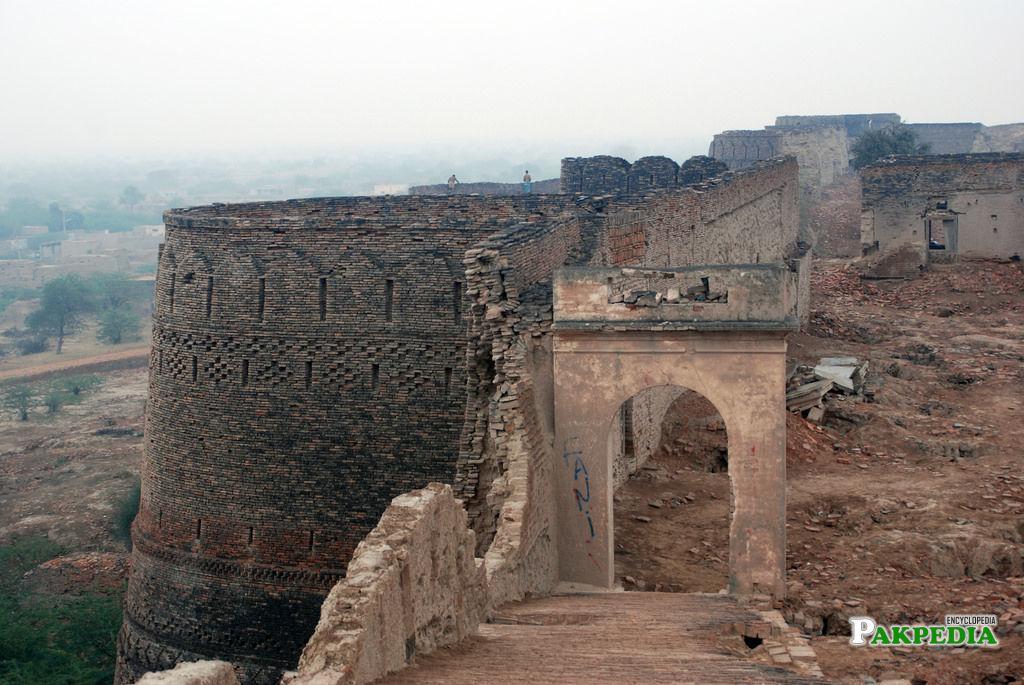 A photo of Derawar Fort in winter season