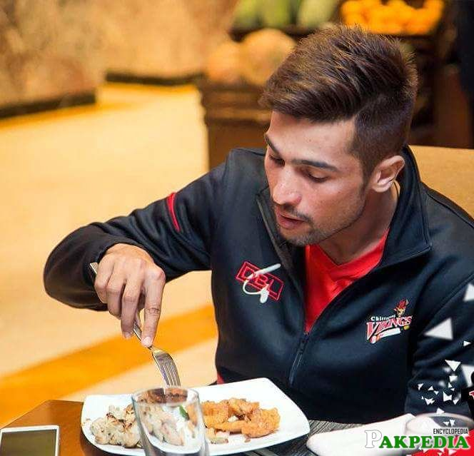 Mohammad Amir Dining at Some where