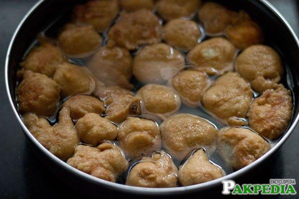 Dhahi Bhalla Cooking