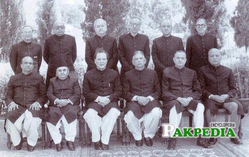 Dr. Nasim Hasan Shah Group Photo