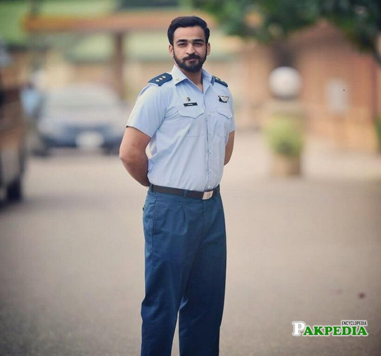 Agha Hassan on sets of Aik thi Marium