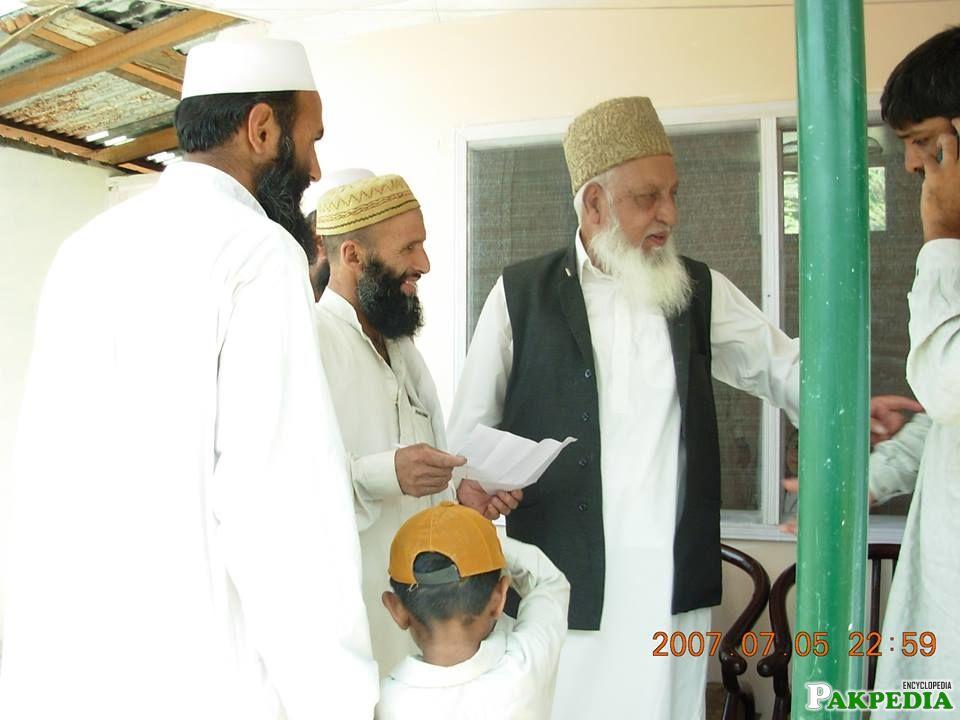 Naimatullah Khan at the opening of Madrissa Khadija-tul-kubra, Balakot, [url=https://pakpedia.pk/doc/Azad_Kashmir]Azad Kashmir[/url]