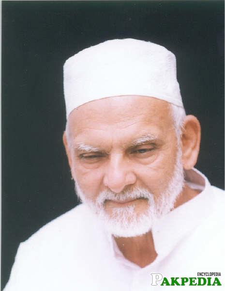 Nice photo of Khwaja Shamsuddin Azeemi