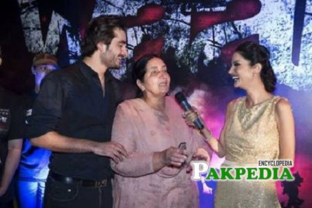 Nasim Akhtar with her son at an event