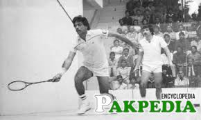 15, 1983 - Squash World Champion Jahangir Khan... ... from Pakistan (in front) has won the Swiss Masters in Schlieren recen