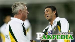 younis khan with coach