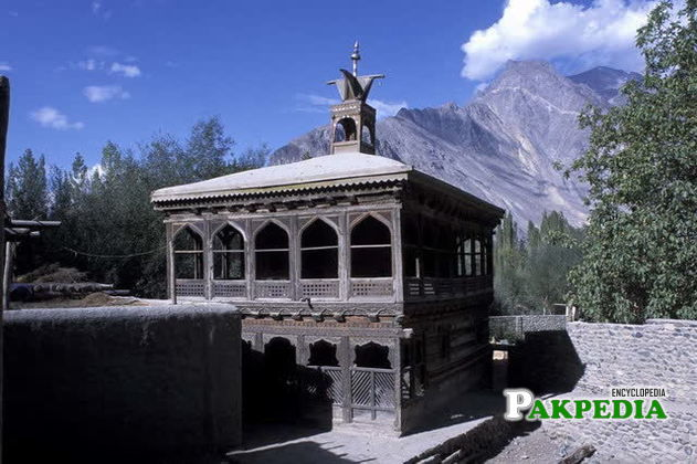 Khilingrong mosque is located in Shigar town