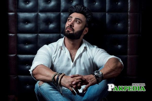 Umair Jaswal Biography