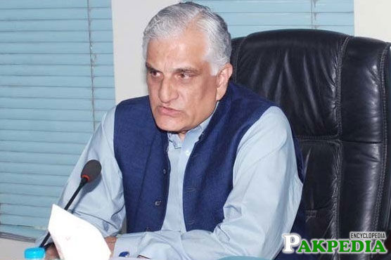 Zahid Hamid sworn in as Federal minister