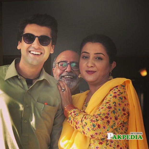 Raza Talish on sets of 'Suno chanda 2'