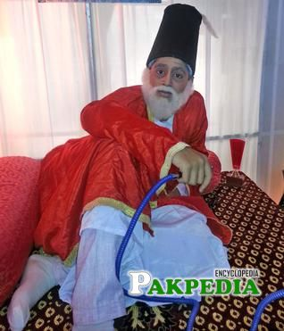 A student performing a role of Mirza Ghalib