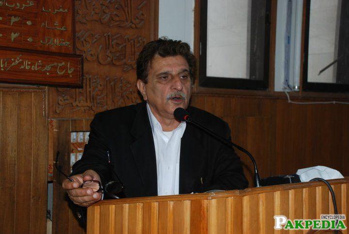 Farooq Haider Khan giving a speech