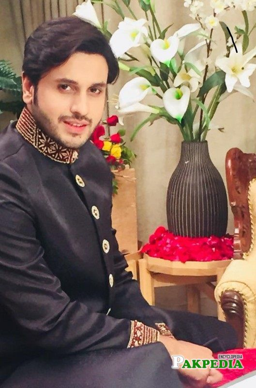 Arsalan on sets while shooting for his play