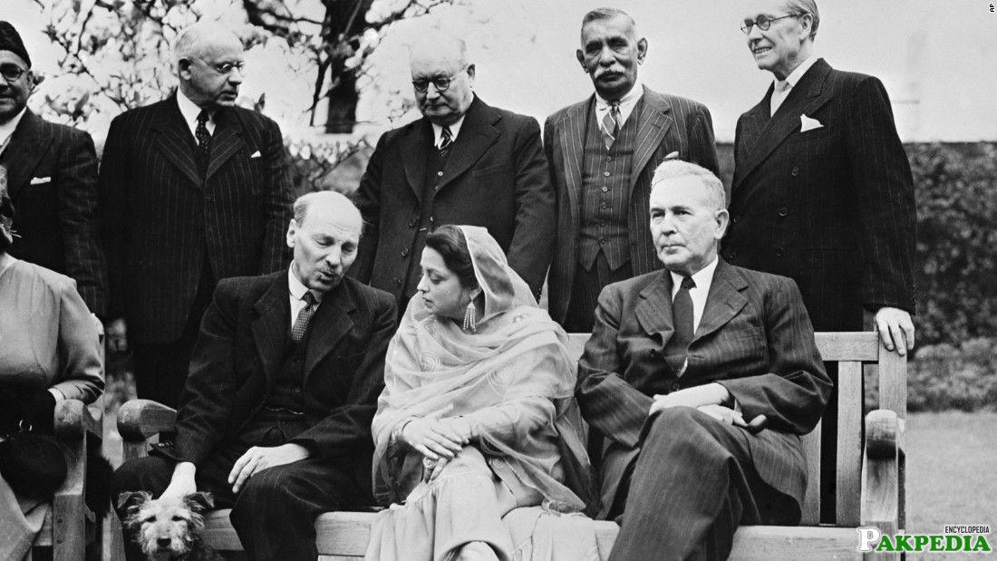 Ra'ana Liaquat Ali Khan Sitting with British