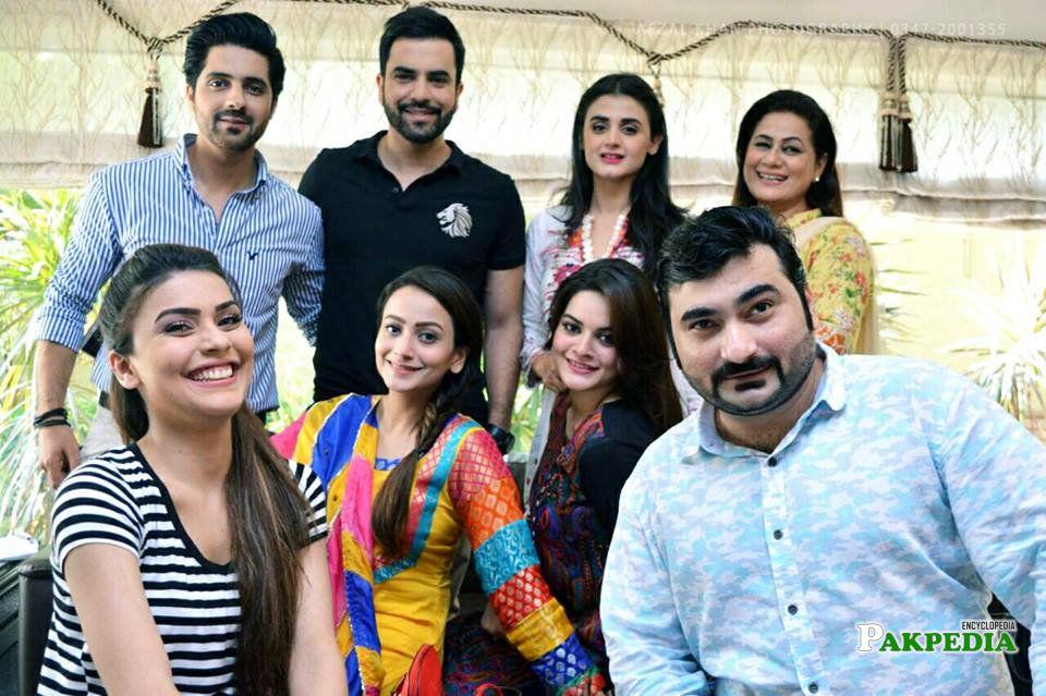 Asim Mehmood with the cast of Sun Yaara