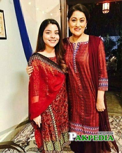 Irsa Ghazal Sister