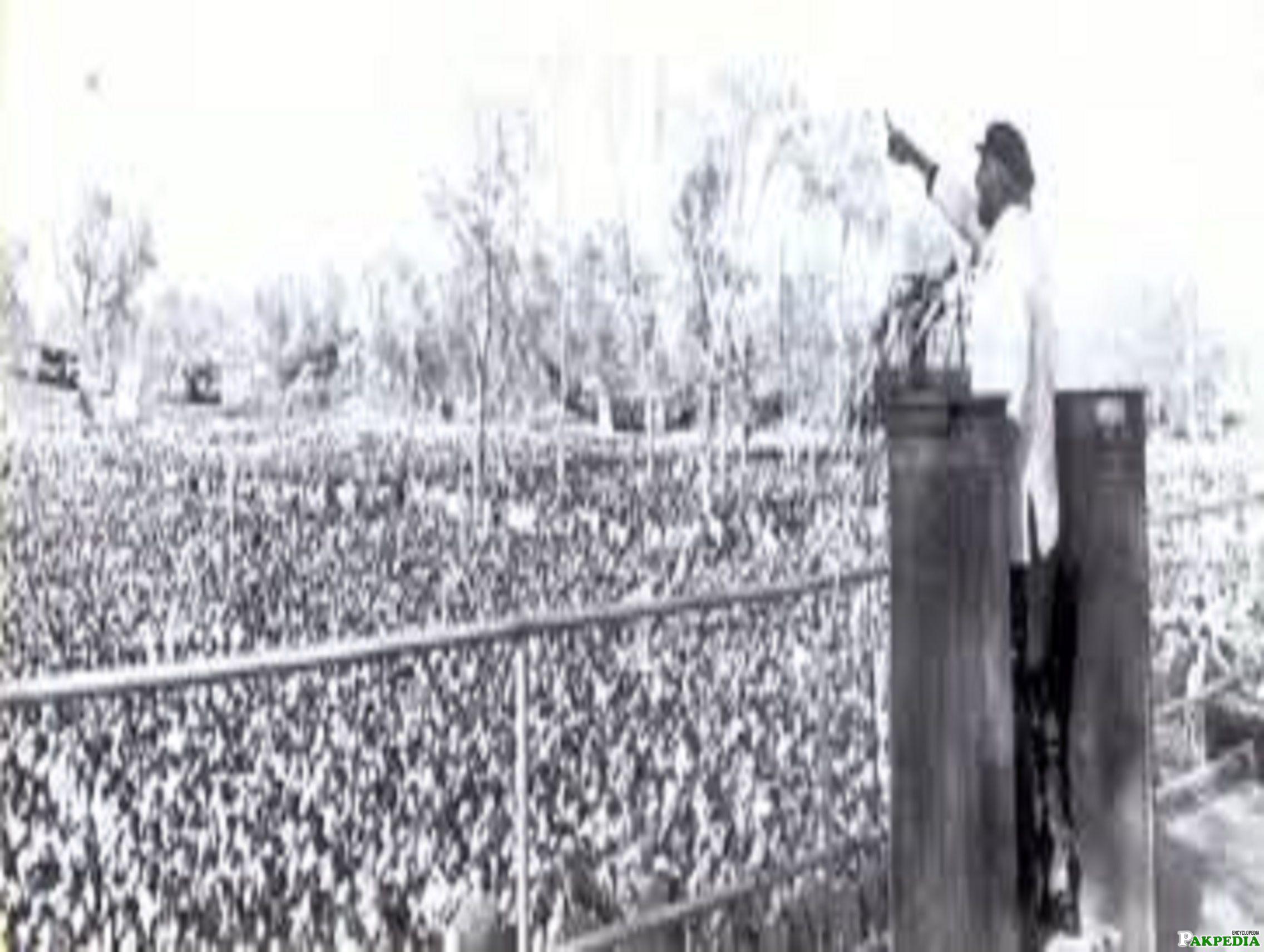 Zulfikar Ali Bhutto addresses to the people