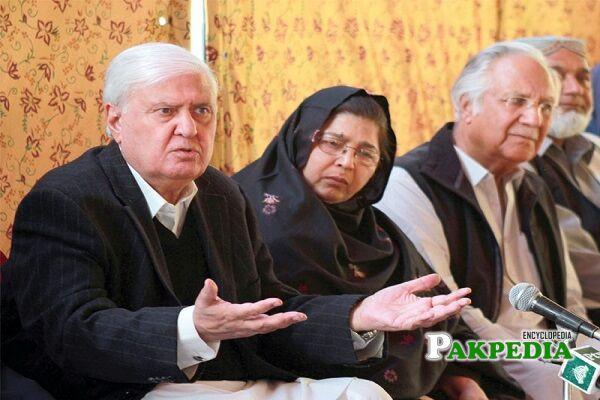 Aftab Ahmad Khan Sherpao Family