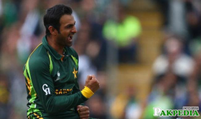 Shoaib Malik get a Wicket