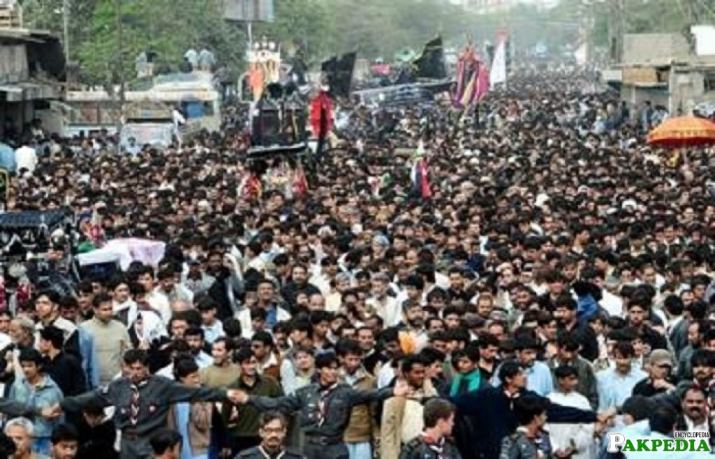 Huge gathering in procession