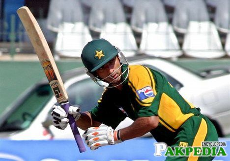 Yasir Hameed Hitted Hard