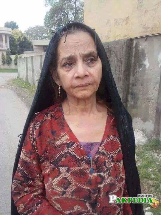 Veteran actress Roohi bano passes away