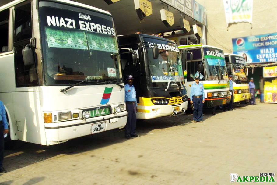 Niazi Express has good service