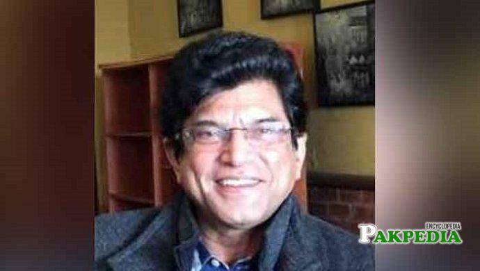 Asad Munir biography