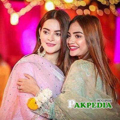 Kinza with Minal Khan at Aiman's mayun