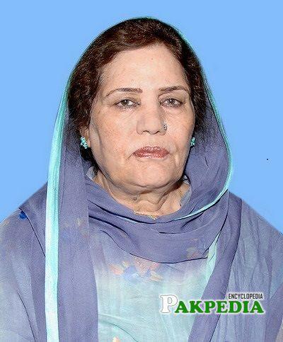 Khalida Mansoor Biography