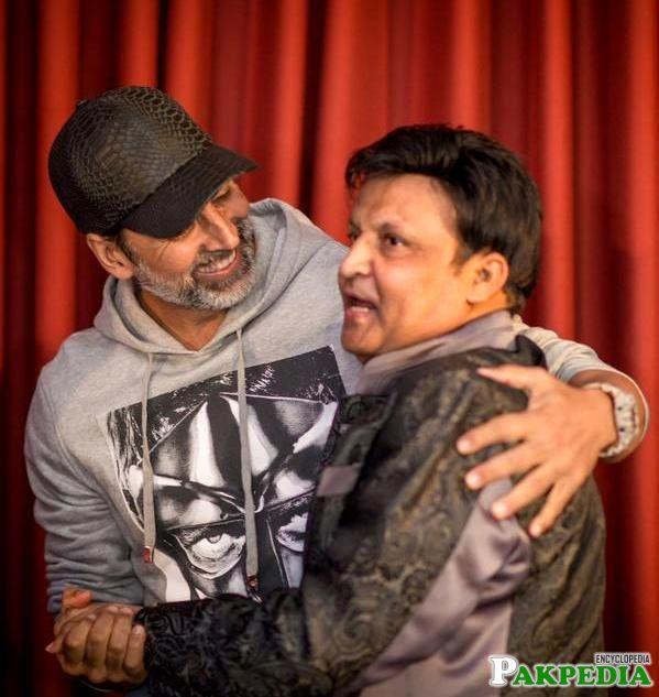 Umer Shareef with Akshay Kumar