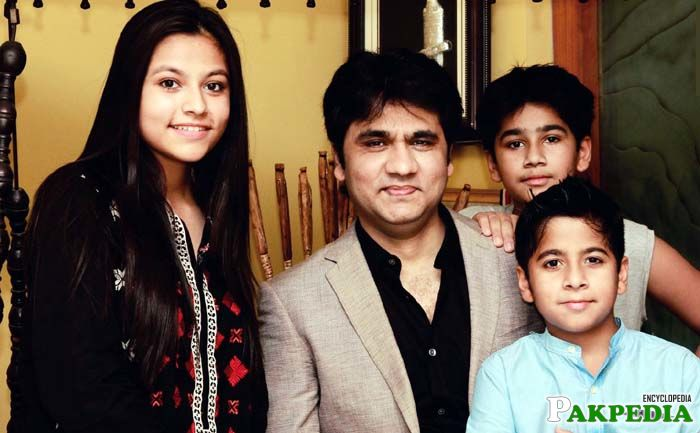 Wasi Shah with his Childrens