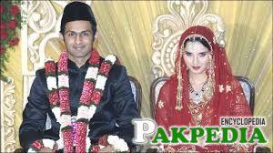 Shoaib Malik married with Sania Mirza