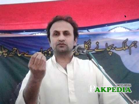 Malik sohail while addressing with the people