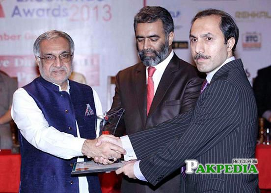 While giving award to Shahzad Safdar Khan