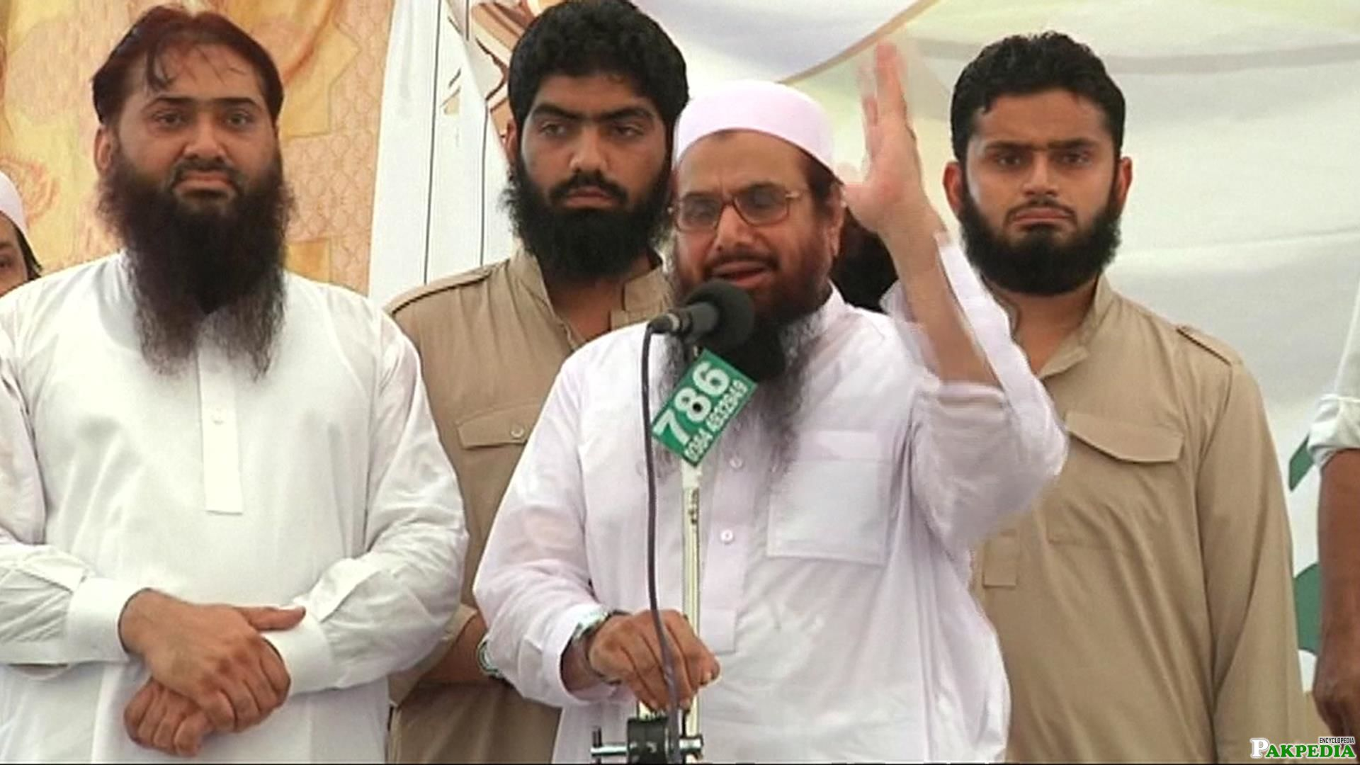 Hafiz Mohammad Saeed addresses mediapersons during Press Conference in Karachi