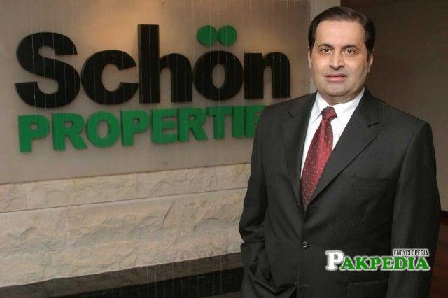 His Father Tahir Schon