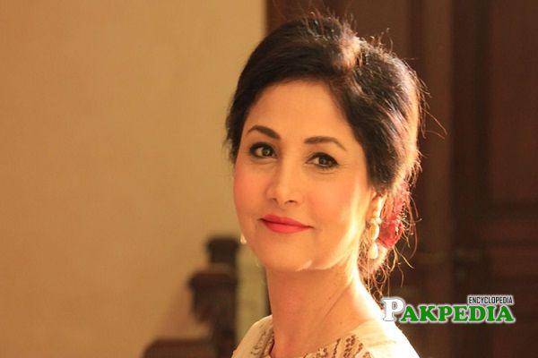 Lubna Aslam Biography