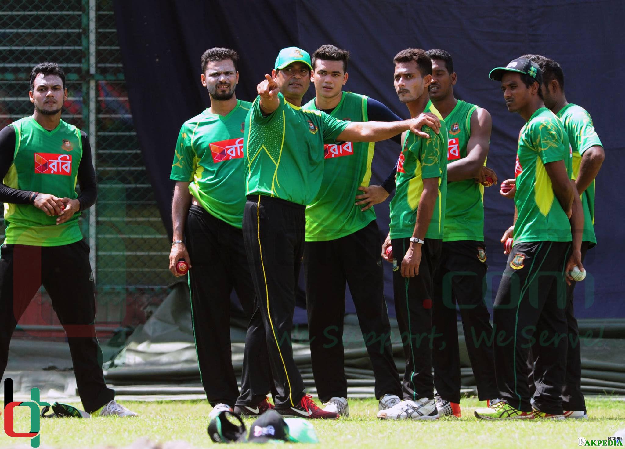 Aaqib Javed while coaching Bangladash Team
