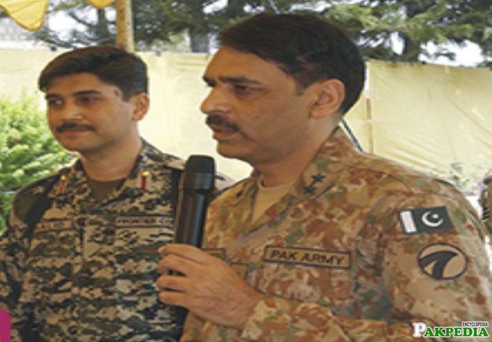 Asif Ghafoor addressing somethink