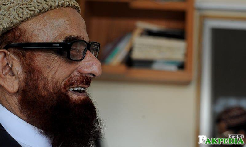 Nice photo of Mufti Muneeb-ur-Rehman