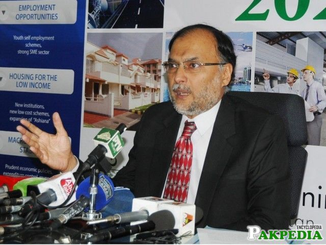 Ahsan Iqbal stresses promoting knowledge-based education system